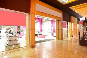 Use thermal people counters in brightly lit store entrances like this.