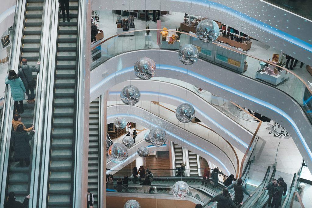 shopping mall traffic
