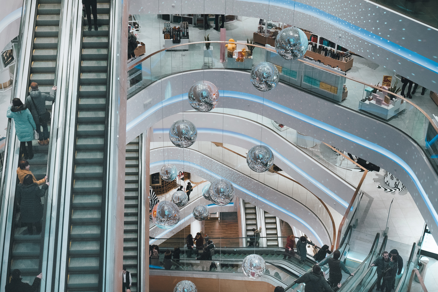 How to Boost Mall Traffic with a Consumer-Centered Retail Strategy